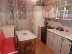 Зняти кімнату в Дніпрі (Дніпропетровська область) по вул. Тополина, 12Т