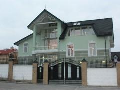 Rent a house in Kharkiv (Kharkivs'ka oblast) on 5 Shovkovychnyi entry, 6