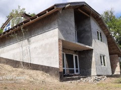 Buy a house, Khalcha village (Kyivs'ka region) on Bogdana Hmelnytskogo str.