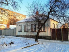 Buy a house in Kropyvnyts'kyi (Kirovohrad) (Kirovohrads'ka oblast) on Yuriia Krasnokuts'koho (Kuibysheva) str., 9